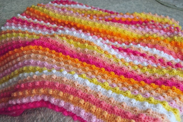 Popcorn stitch, bubble stitch, bobble stitch crochet.